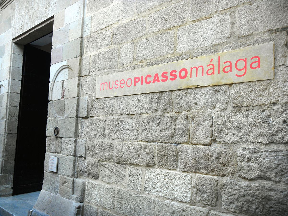 1200px-MuseoPicassoMalaga