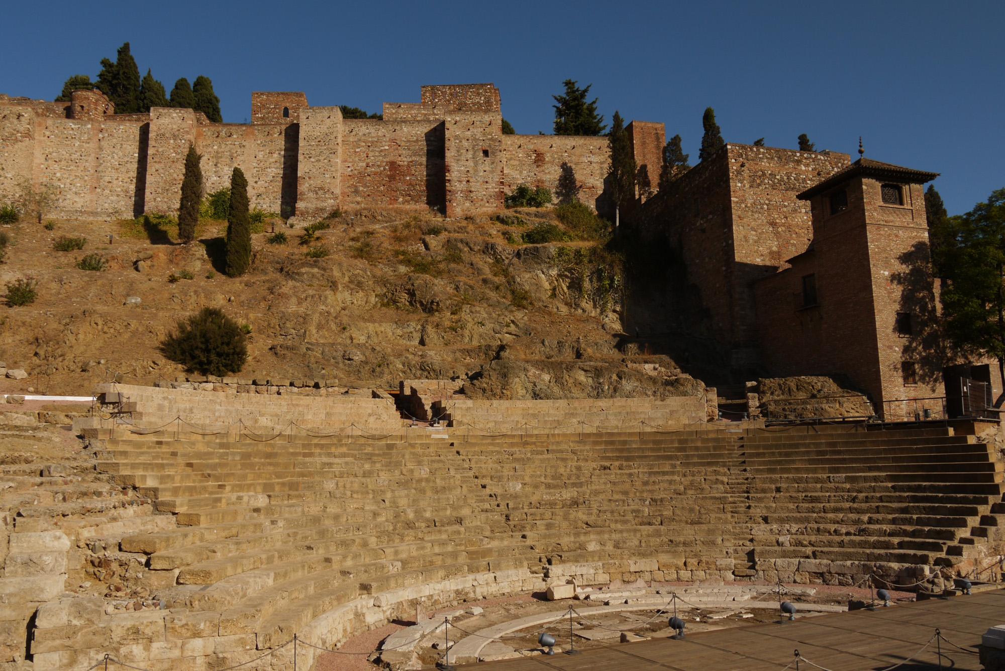 teatro romano.jpg